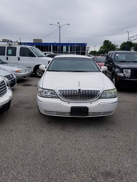 2003 Lincoln Town Car Executive In Toledo Oh Toledo Auto Credit