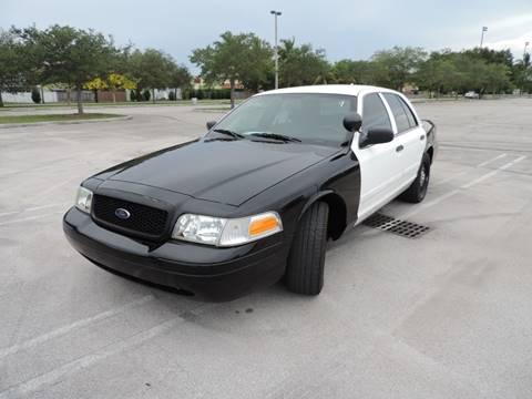 2010 Ford Crown Victoria for sale in Miami, FL