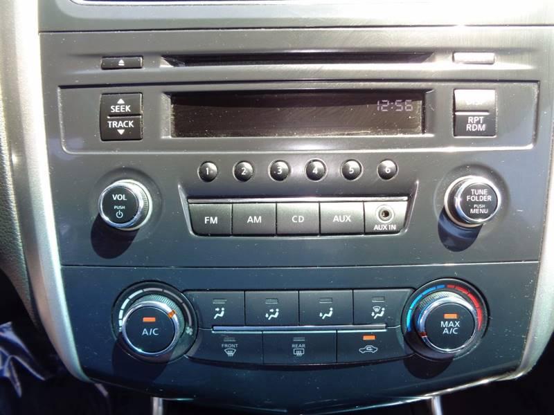 2014 Nissan Altima 2.5 4dr Sedan - St.  Louis MO