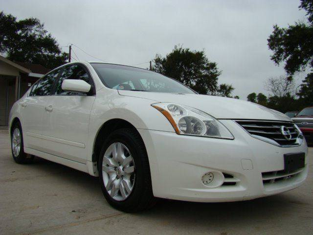 2011 Nissan Altima 25 S 4dr Sedan In Houston Tx Trade Lane Motors