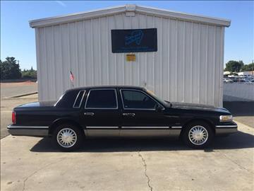 1995 Lincoln Town Car for sale in Clovis, CA