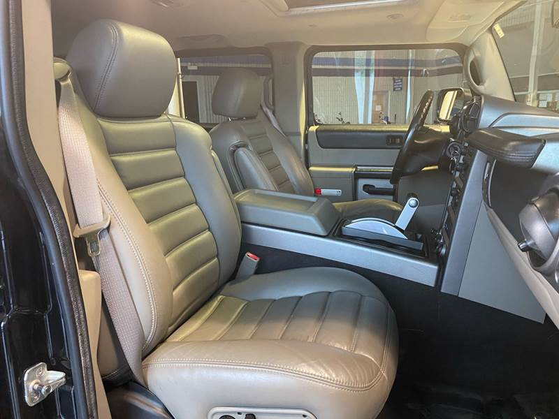2004 HUMMER H2 Lux Series (image 22)
