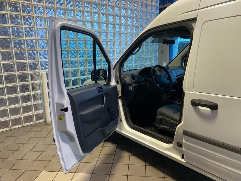 2011 Ford Transit Connect Cargo Van XL (image 11)