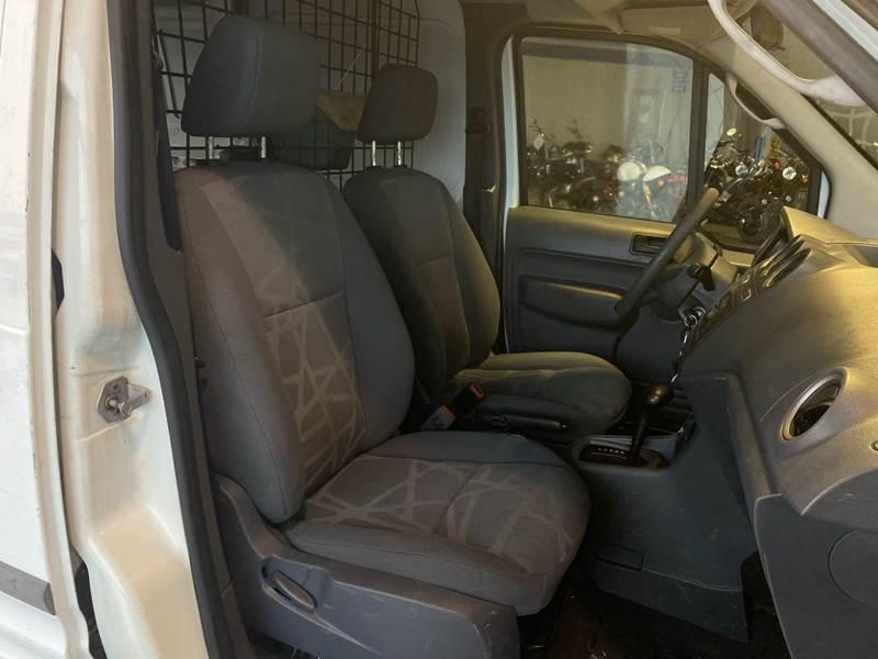2011 Ford Transit Connect Cargo Van XL (image 18)