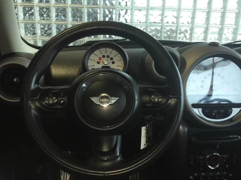 2011 MINI Cooper Countryman S ALL4 (image 13)