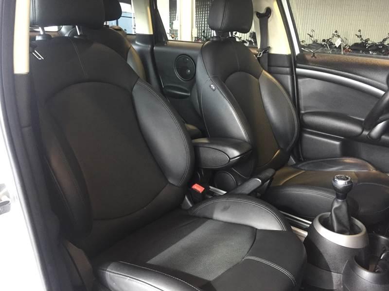 2011 MINI Cooper Countryman S ALL4 (image 18)