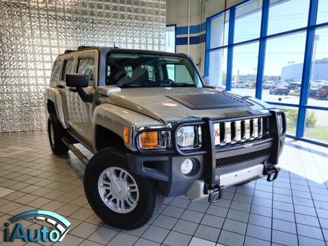 2009 HUMMER H3 for sale at iAuto in Cincinnati OH