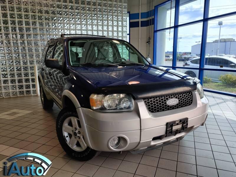 2005 Ford Escape for sale at iAuto in Cincinnati OH