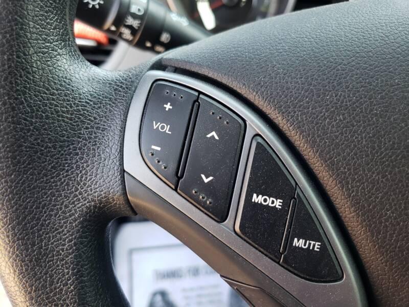 2016 Hyundai Elantra SE 4dr Sedan 6A - Dallas TX