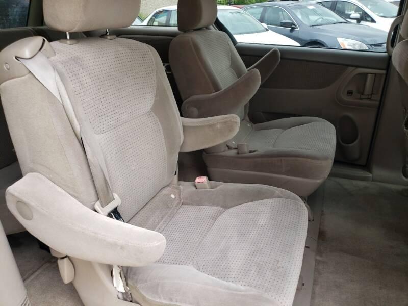 2006 Toyota Sienna LE 7-Passenger 4dr Mini-Van - Dallas TX
