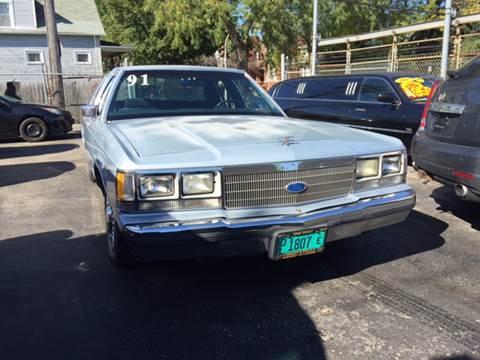 1991 Ford LTD Crown Victoria for sale in Chicago IL