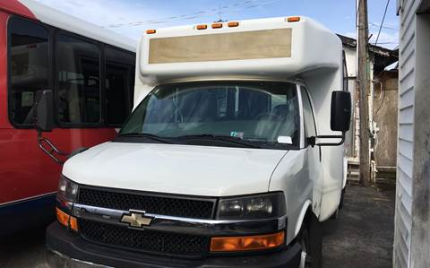 2014 Chevrolet Express Cutaway for sale in Chicago, IL