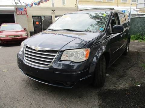 2008 Chrysler Town and Country for sale in Woodhaven, NY