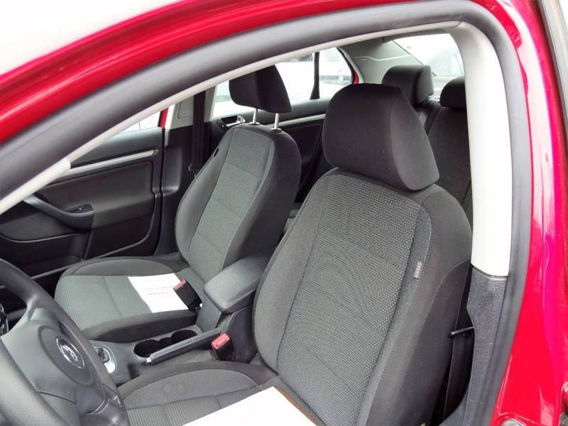 2010 Volkswagen Jetta S PZEV 4dr Sedan 6A - Nashua NH
