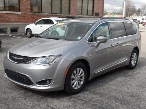 2017 Chrysler Pacifica for sale in Robinson, IL