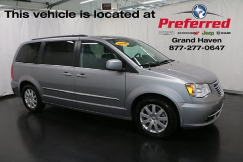 2016 Chrysler Town and Country for sale in Grand Haven, MI