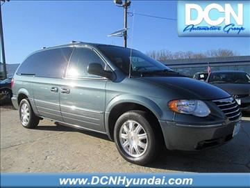 2005 Chrysler Town and Country for sale in Monmouth Junction, NJ