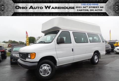 2005 Ford E-Series Wagon for sale in Canton, OH