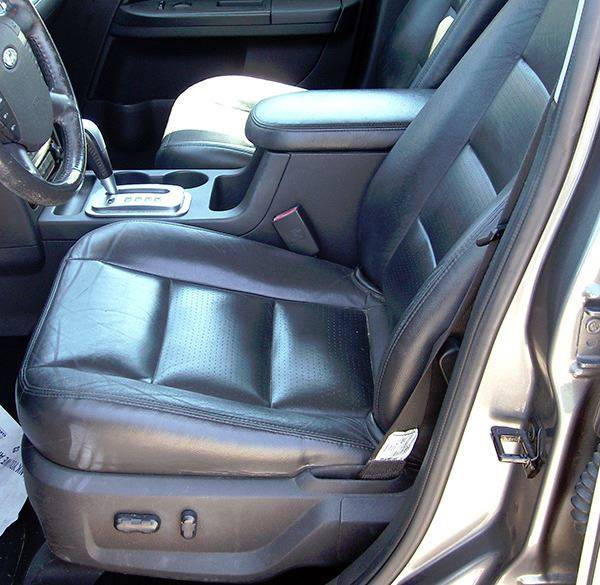 2005 Ford Freestyle for sale at EZ WAY AUTO in Denison TX