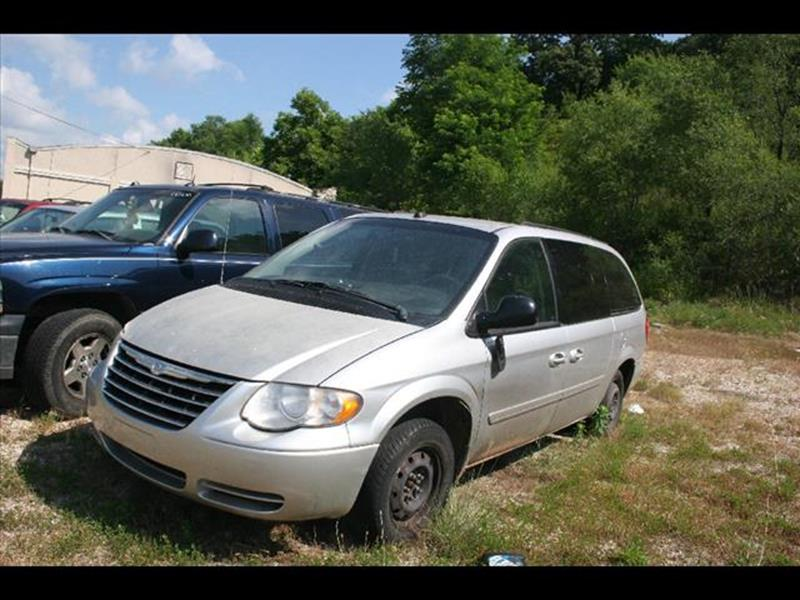 2005 Chrysler Town and Country for sale at Andy Yeager Motors in Harrison AR