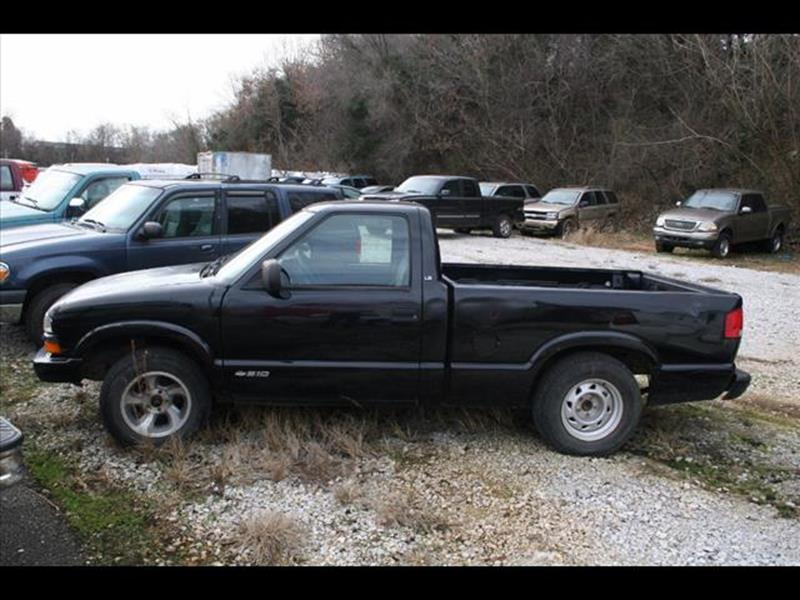 2000 Chevrolet S-10 for sale at Andy Yeager Motors in Harrison AR