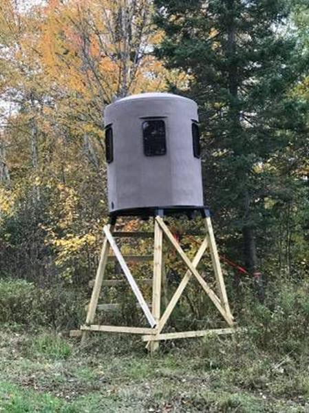 1900 Banks Deer Stands Hunting Blind In Ringle WI - Yachs