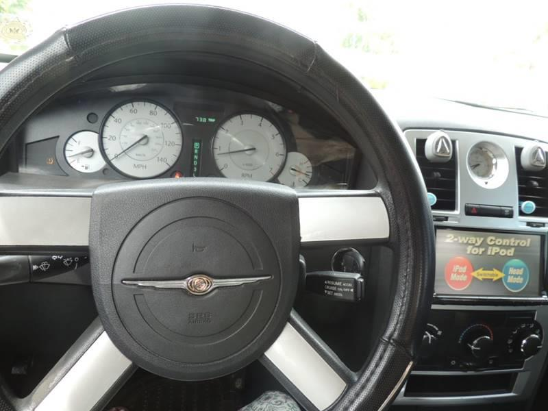 2008 Chrysler 300 LX 4dr Sedan - Miami FL