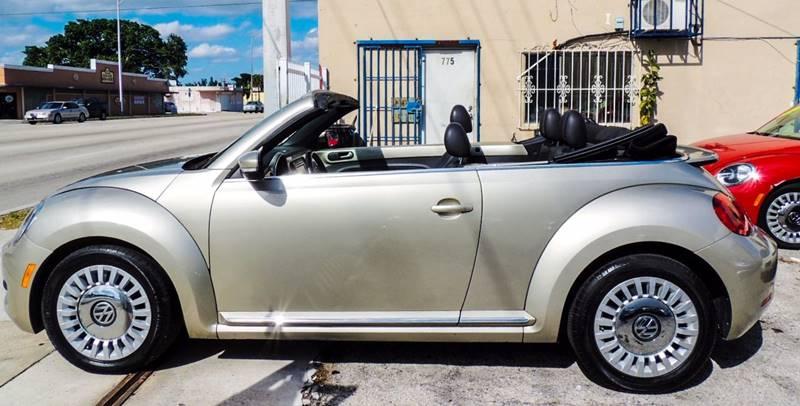 2013 Volkswagen Beetle 2.5L 2dr Convertible 6A - Miami FL