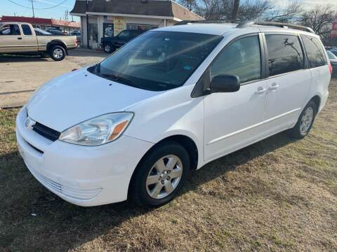 2004 Toyota Sienna LE 7 Passenger for sale at Texas Select Autos LLC in Mckinney TX