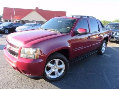 2007 Chevrolet Avalanche for sale at American Financial Cars in Orlando FL