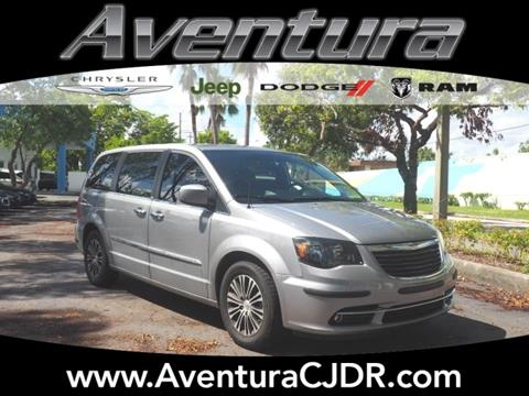 2014 Chrysler Town and Country for sale in North Miami Beach, FL