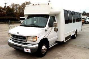 1999 Ford E-450 for sale in Lake City, GA