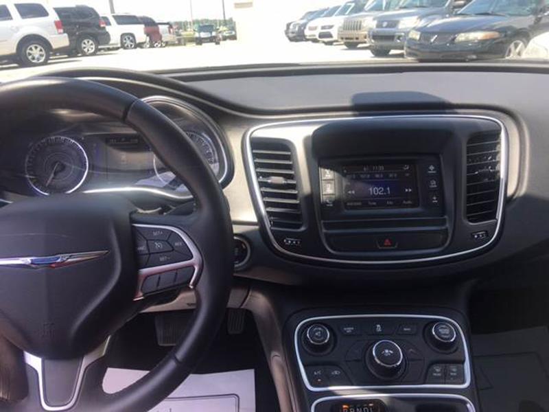 2016 Chrysler 200 Limited 4dr Sedan - Decatur AL