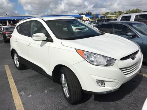 2013 Hyundai Tucson for sale at FLORIDA CAR TRADE LLC in Davie FL