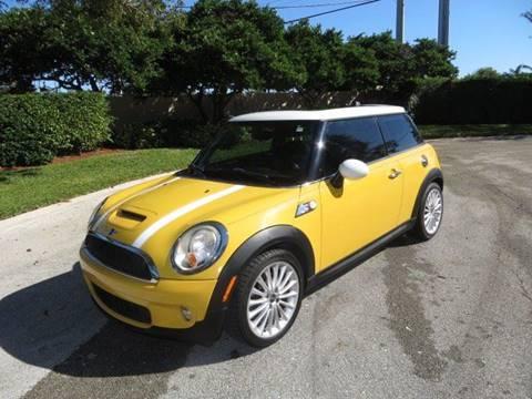 2008 MINI Cooper for sale at FLORIDA CAR TRADE LLC in Davie FL