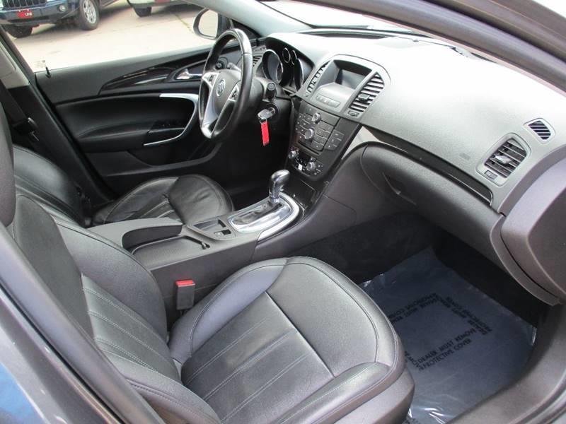 2011 Buick Regal CXL 4dr Sedan w/RL2 - Waterloo IA