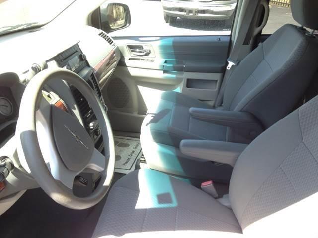 2008 Chrysler Town and Country LX 4dr Mini-Van - Wichita KS