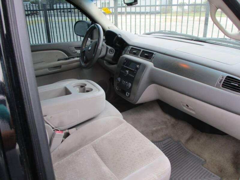 2007 Chevrolet Suburban LS 1500 4dr SUV - Wichita KS