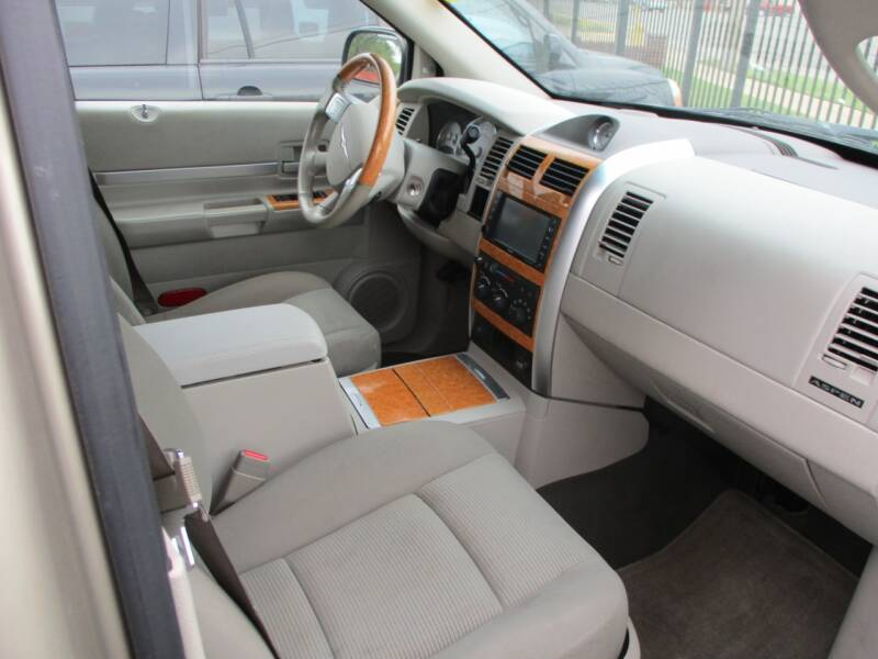 2009 Chrysler Aspen 4x4 Limited 4dr SUV - Wichita KS