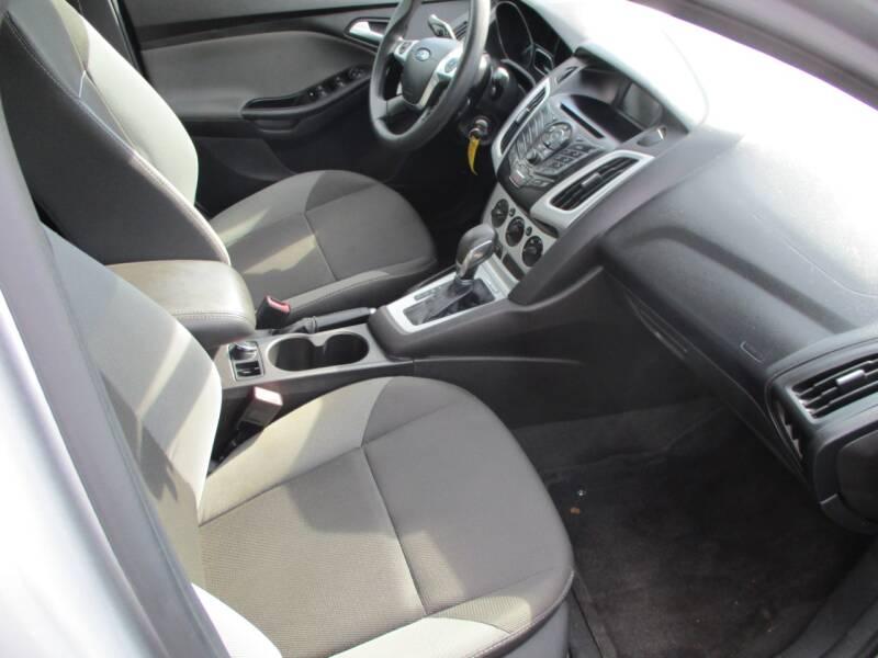 2013 Ford Focus SE 4dr Sedan - Wichita KS