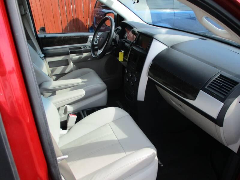 2010 Dodge Grand Caravan SXT 4dr Mini-Van - Wichita KS