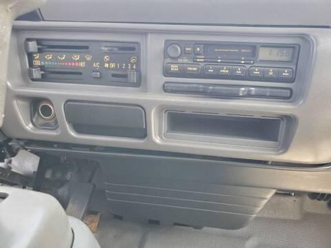 2004 GMC W5500
