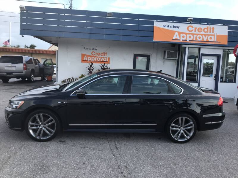 2017 Volkswagen Passat for sale at Classic Cars of Palm Beach in Jupiter FL