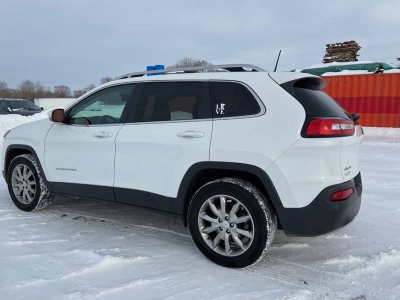 2017 Jeep Cherokee Limited (image 5)