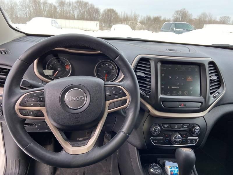 2017 Jeep Cherokee Limited (image 11)