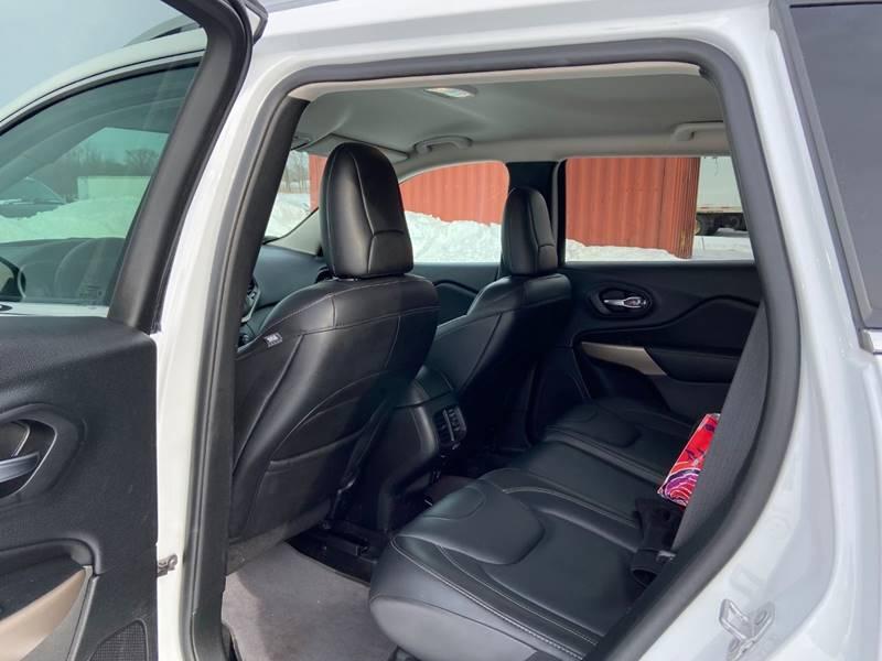 2017 Jeep Cherokee Limited (image 14)
