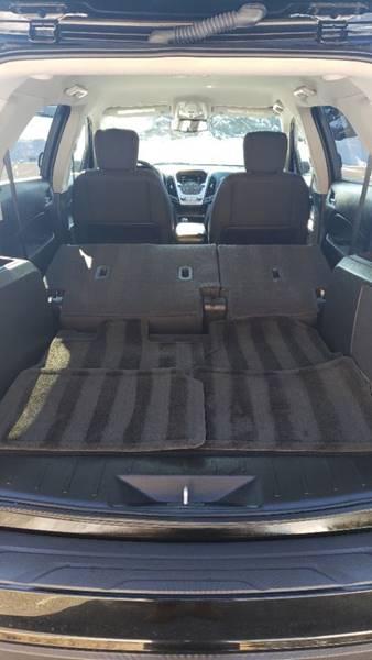 2017 Chevrolet Equinox LT (image 8)