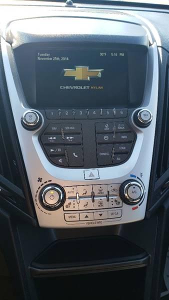 2017 Chevrolet Equinox LT (image 17)