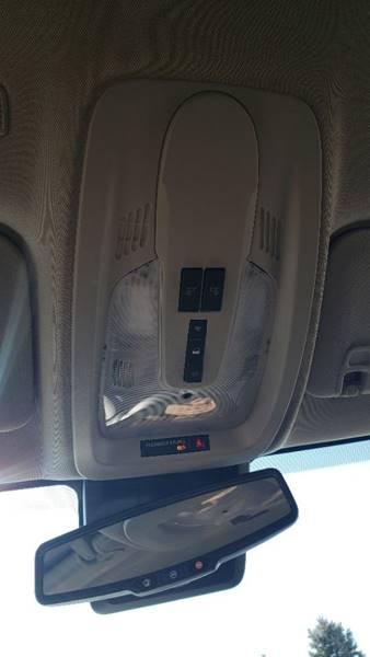 2017 Chevrolet Equinox LT (image 19)