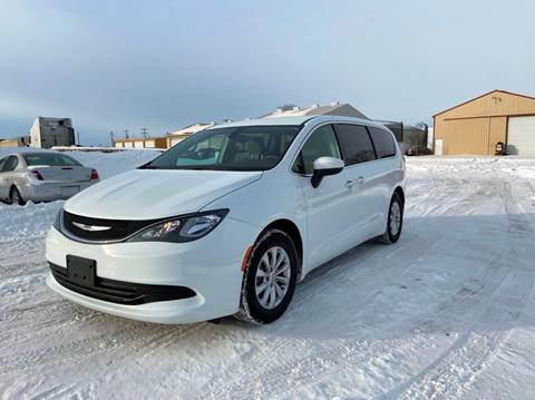 2017 Chrysler Pacifica Touring for sale at RUS Auto LLC in Shakopee MN